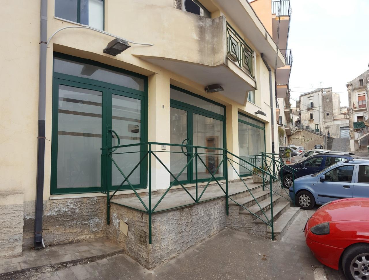 Locali e Botteghe - Locali Commerciali a Melilli