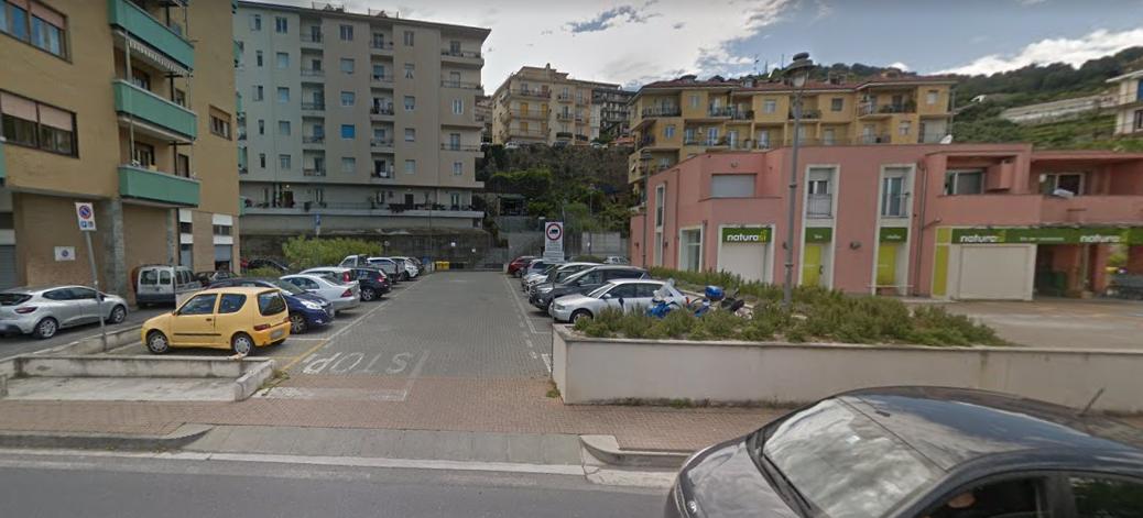 Garage/Box/Posto auto in vendita a Imperia (IM)