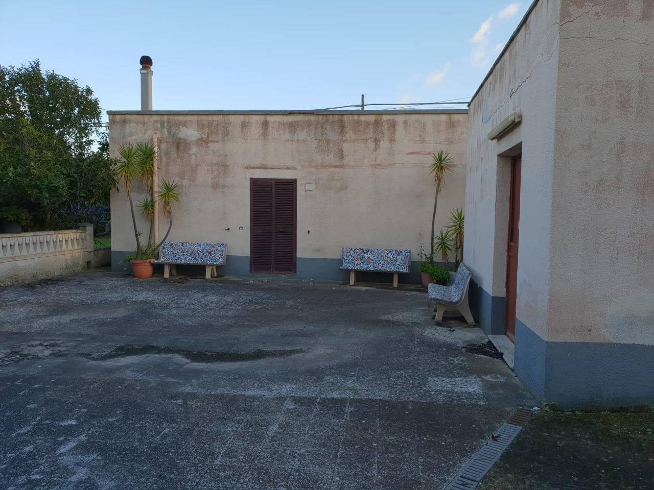 Casa Indipendente in discrete condizioni in vendita Rif. 9803150