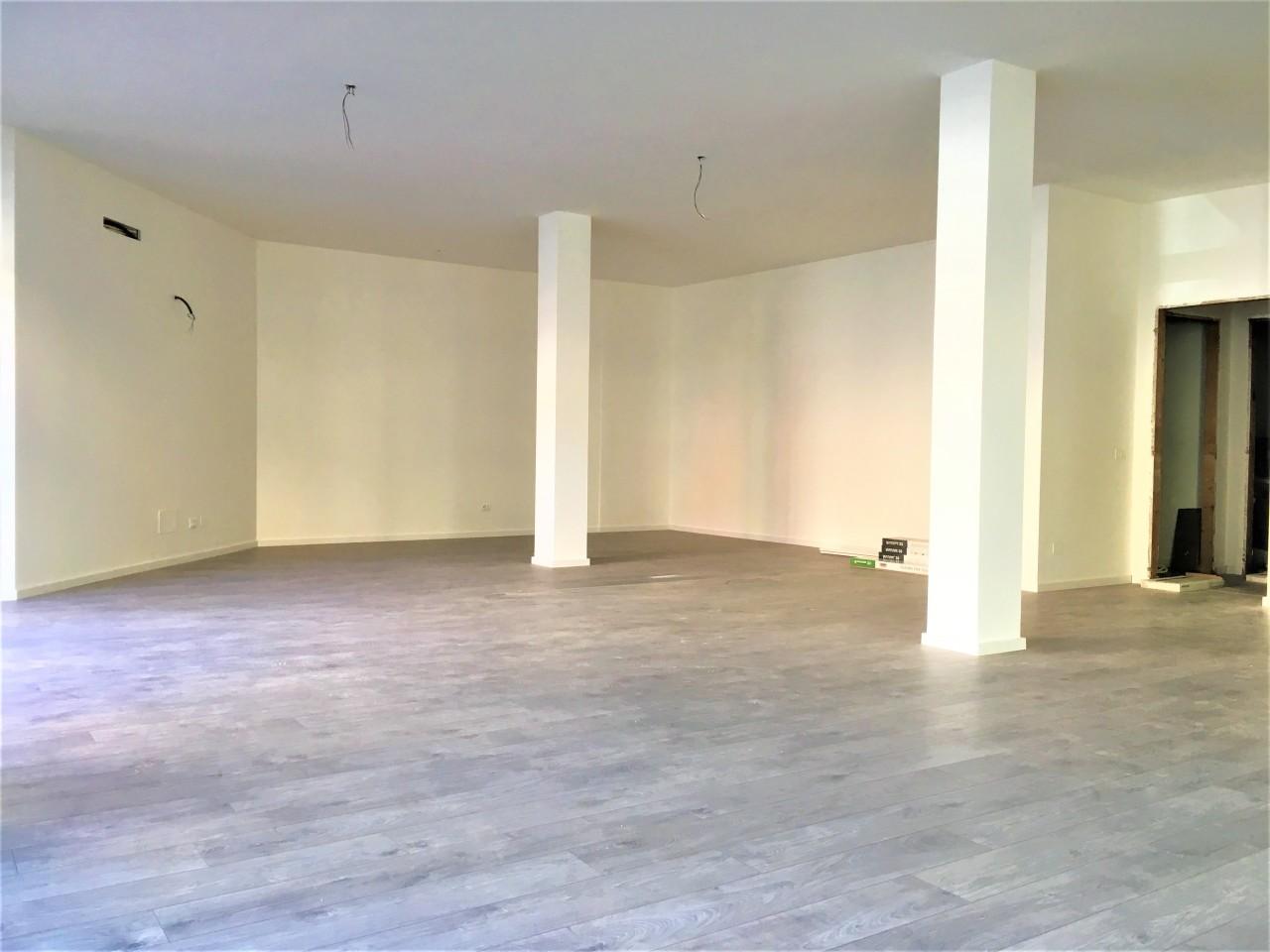 Negozio / Locale in affitto a Pontedera, 1 locali, prezzo € 1.500 | CambioCasa.it