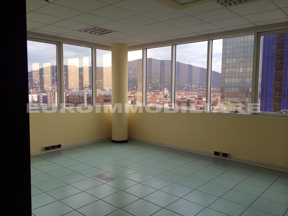 Ufficio / Studio in affitto a Brescia, 4 locali, prezzo € 2.300 | CambioCasa.it