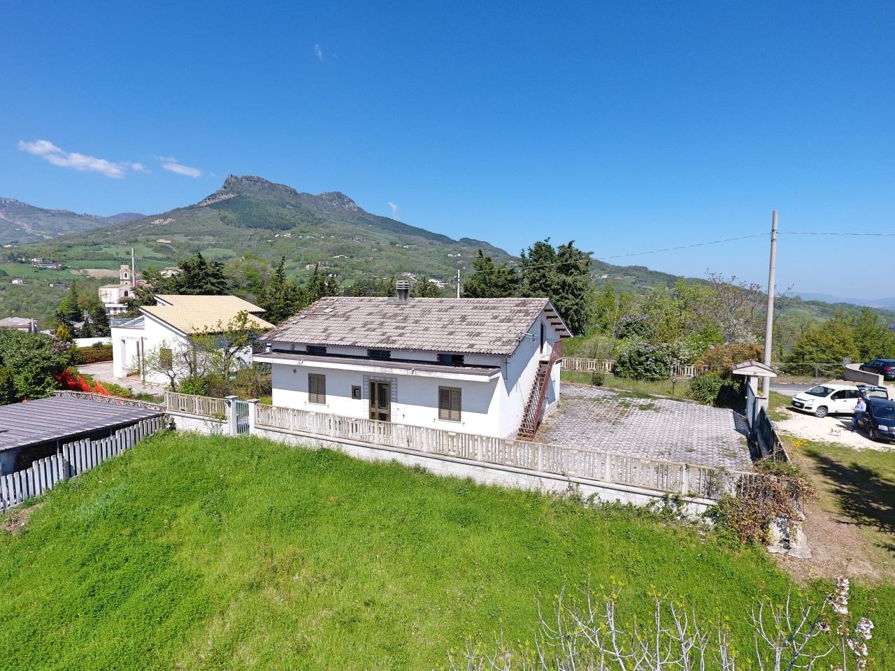 Casa Indipendente in discrete condizioni in vendita Rif. 7265565