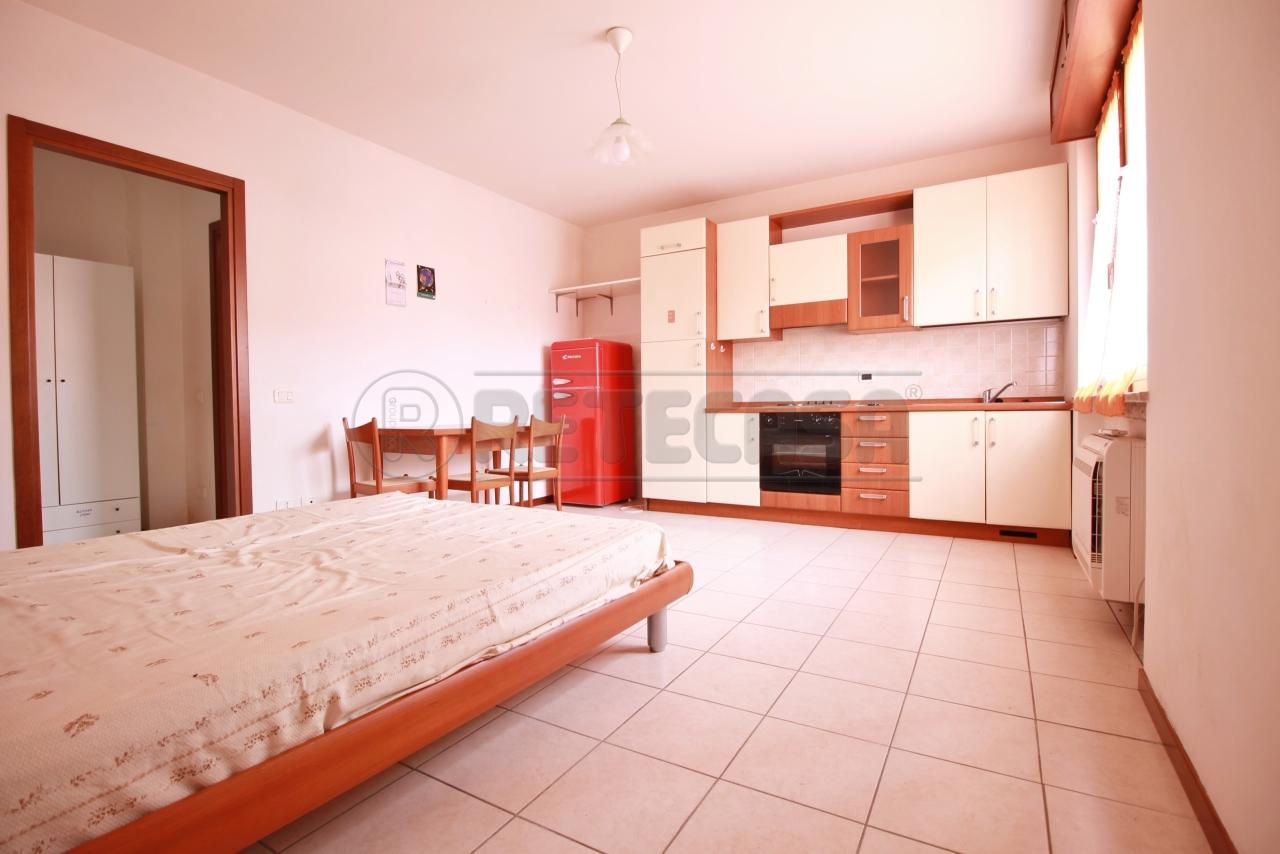 Appartamento in vendita a San Bonifacio, 2 locali, prezzo € 40.000 | CambioCasa.it