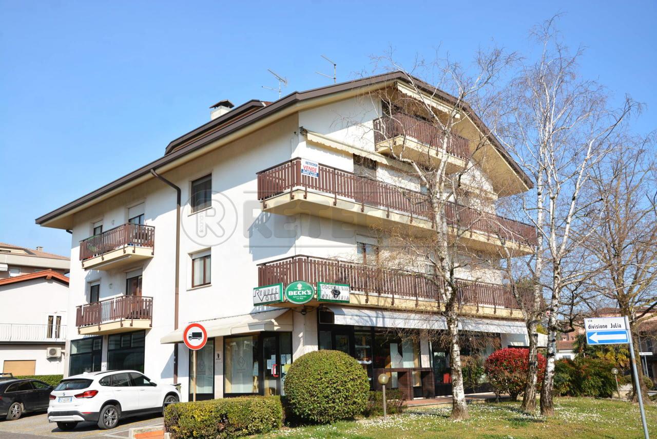 Appartamento in vendita a Manzano, 7 locali, prezzo € 155.000   PortaleAgenzieImmobiliari.it