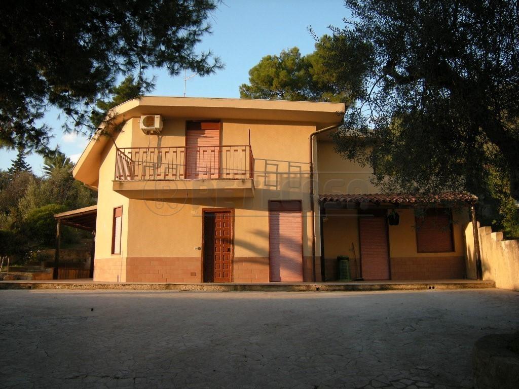 Villa - Unifamiliare a Caltanissetta