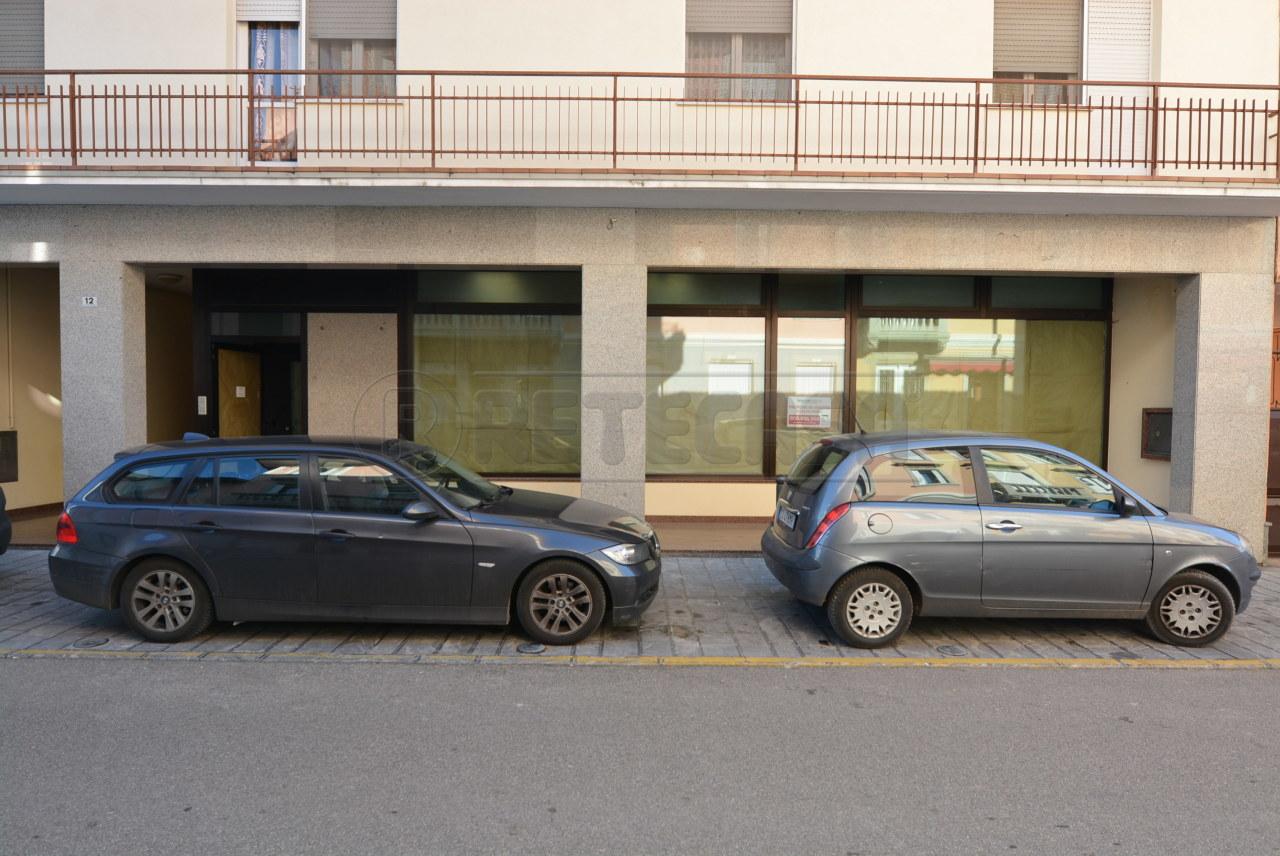 Ufficio / Studio in vendita a Talmassons, 7 locali, prezzo € 250.000 | CambioCasa.it