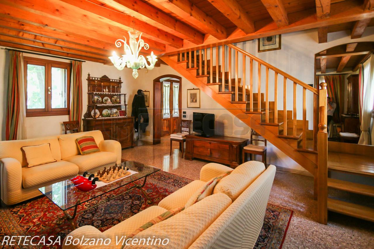 Villa in vendita a Bressanvido, 10 locali, prezzo € 480.000 | CambioCasa.it