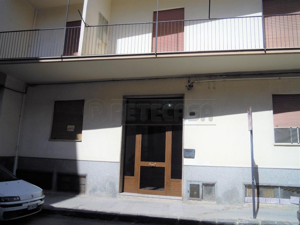 Appartamento in affitto a Caltanissetta, 5 locali, prezzo € 350 | CambioCasa.it