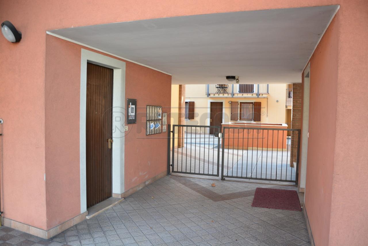 A Santa Maria La Longa in Vendita Appartamento