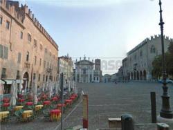 Ufficio in Affitto a Mantova, zona Centro Storico, 500€, 65 m²