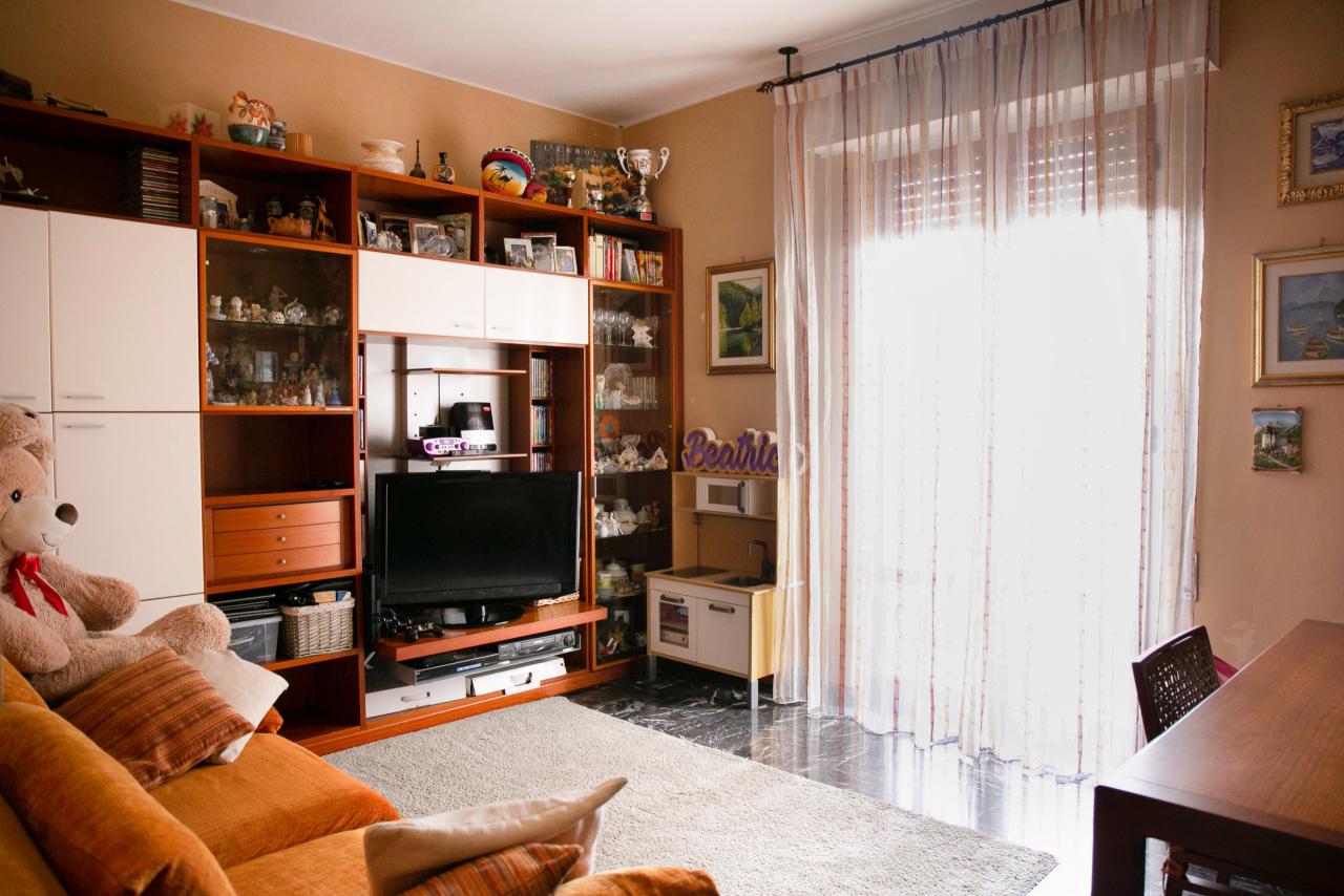 Appartamento in vendita a Sestri Levante, 5 locali, prezzo € 180.000   CambioCasa.it
