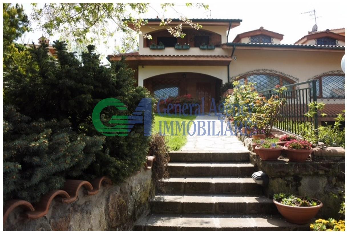Soluzione Indipendente in vendita a Rocca di Papa, 6 locali, prezzo € 499.000 | CambioCasa.it