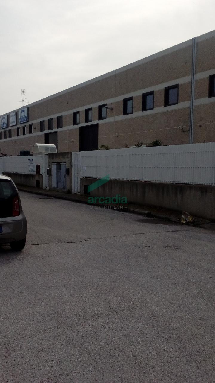 Capannone - Industriale a Zona Industriale, Modugno Rif. 9552255