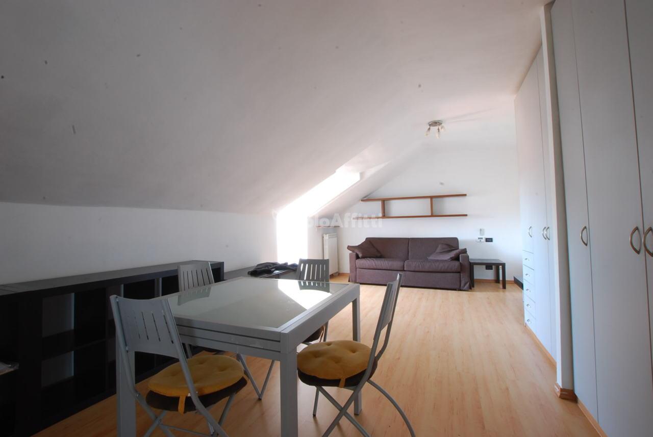 Monolocale arredato in affitto Rif. 12260490