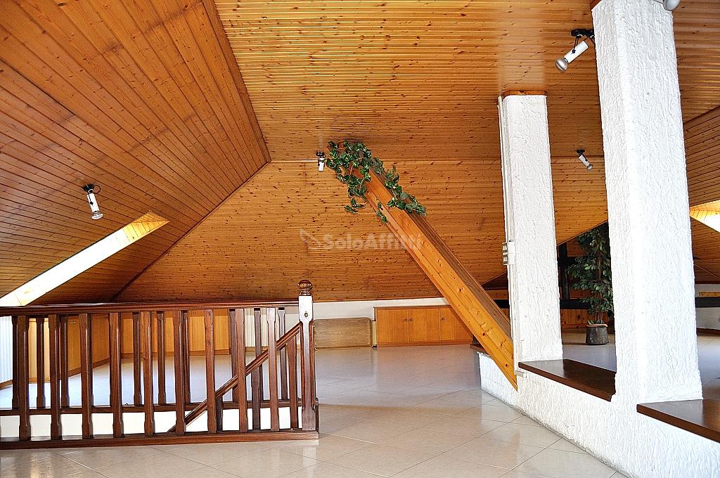 Appartamento in affitto a Settimo Torinese, 6 locali, prezzo € 1.000 | PortaleAgenzieImmobiliari.it
