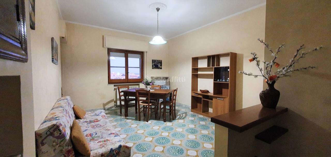 Stanza / posto letto in buone condizioni arredato in affitto Rif. 11351789