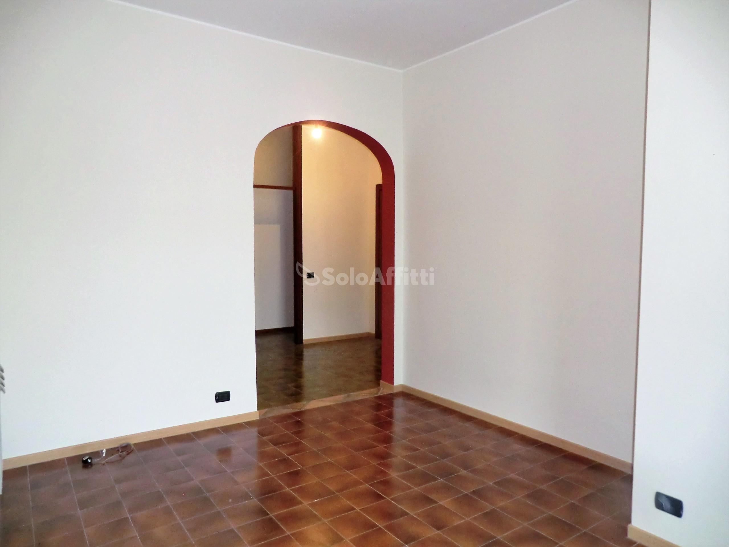 Appartamento Trilocale 6 vani 102 mq.
