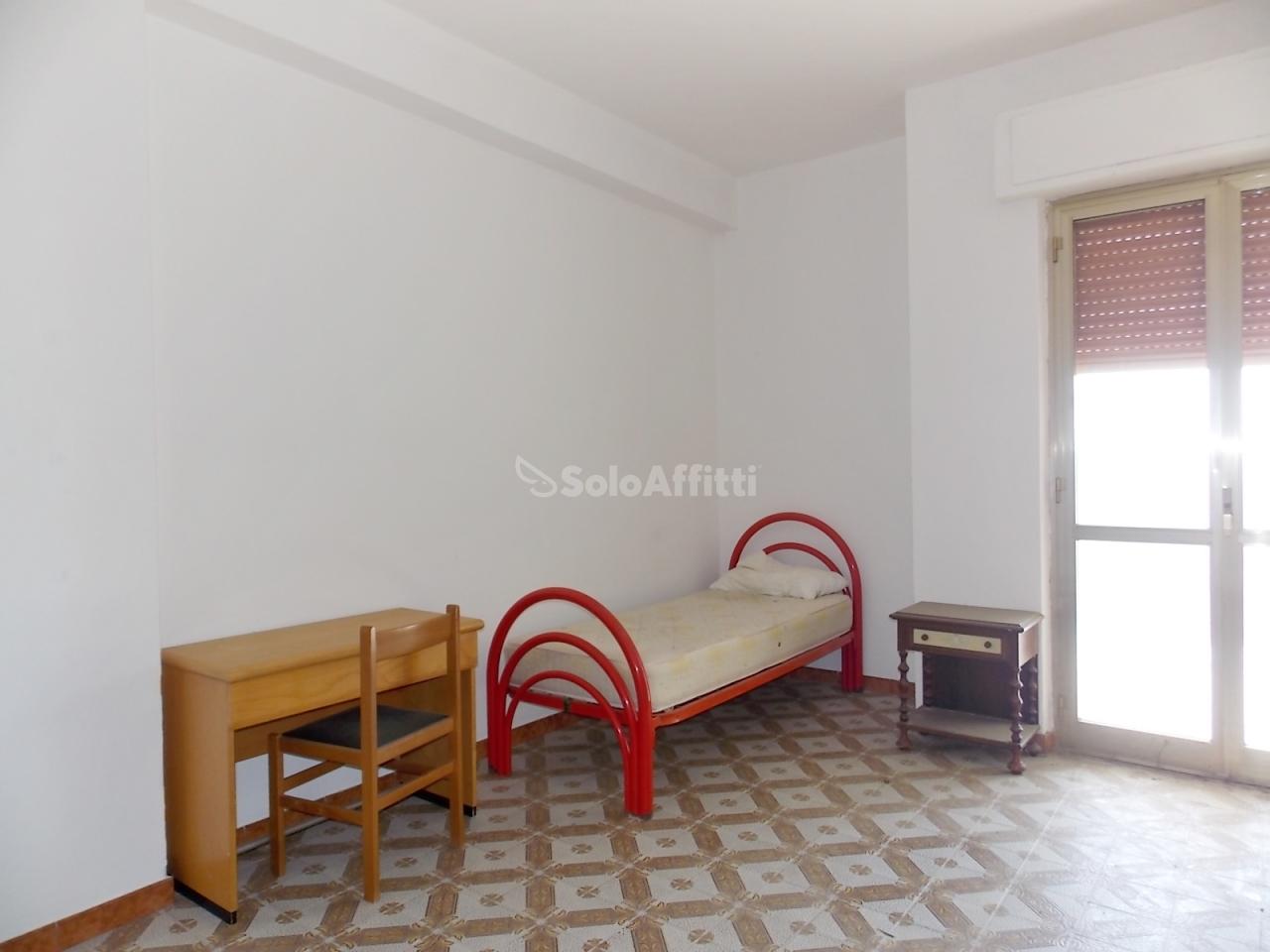 Stanza / posto letto in buone condizioni arredato in affitto Rif. 6169274