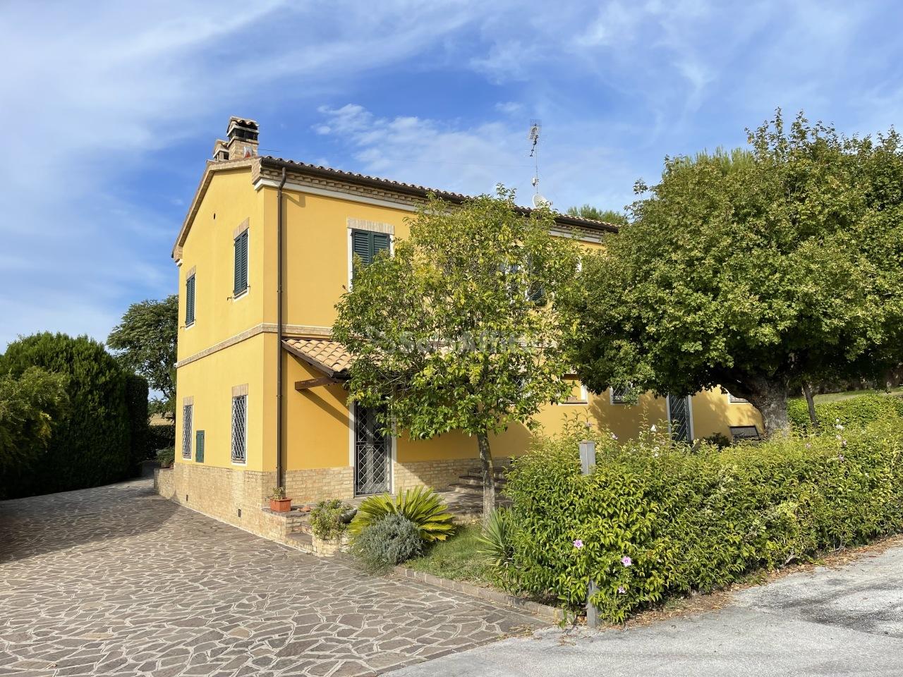 Casa indipendente in affitto a Osimo (AN)