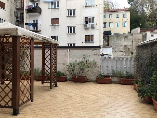 terrazzo di mq 40 con gazebo