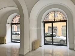 Capannone in Affitto a Vercelli, 700€, 80 m²
