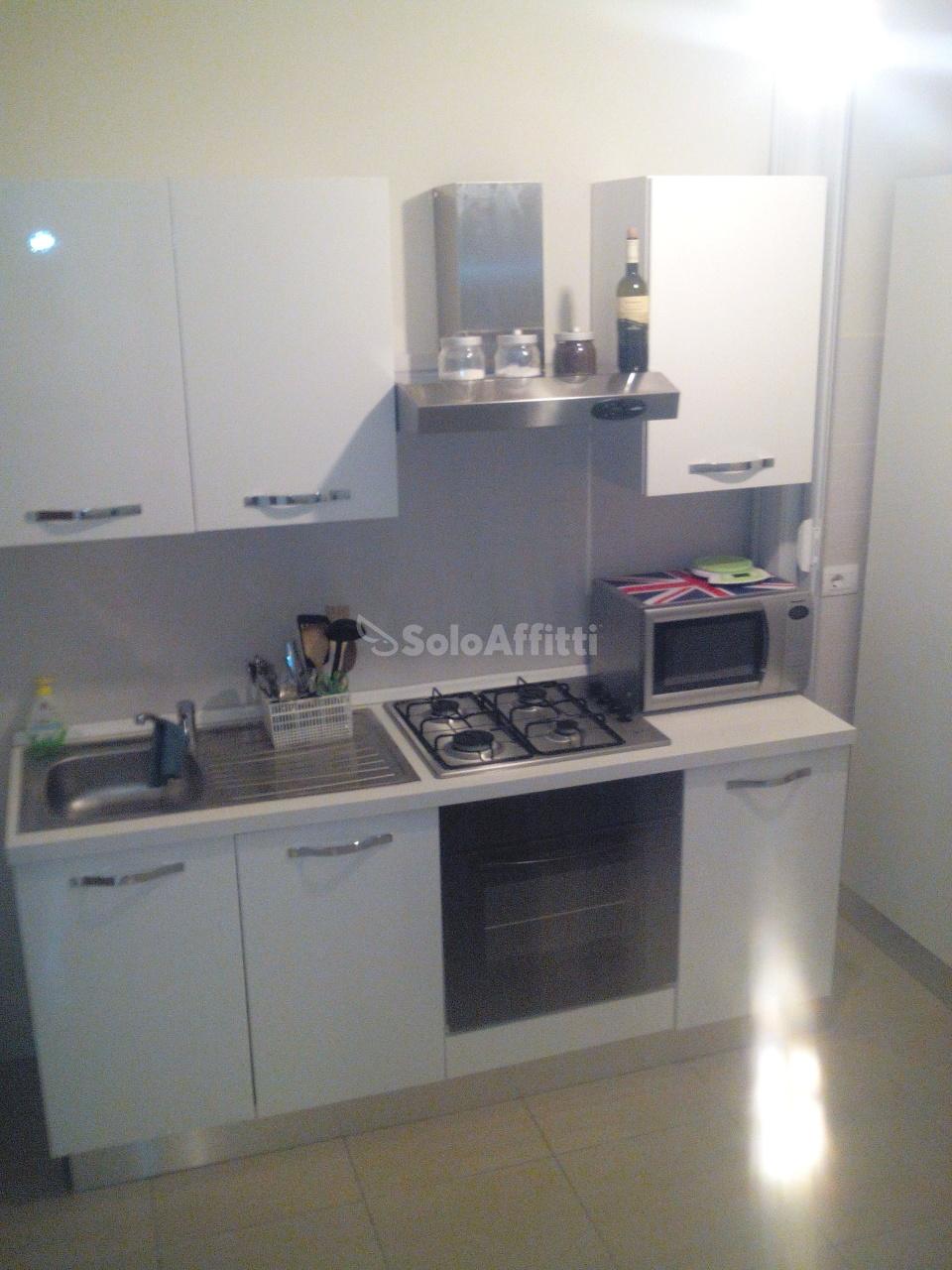 Bilocale in buone condizioni arredato in affitto Rif. 8673809