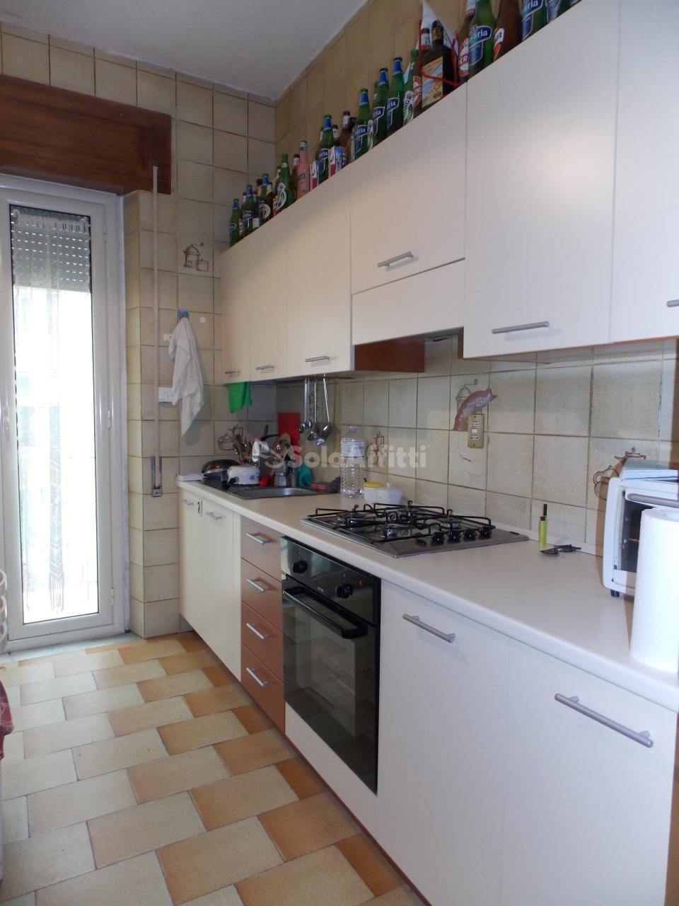 Stanza / posto letto in buone condizioni arredato in affitto Rif. 6169275