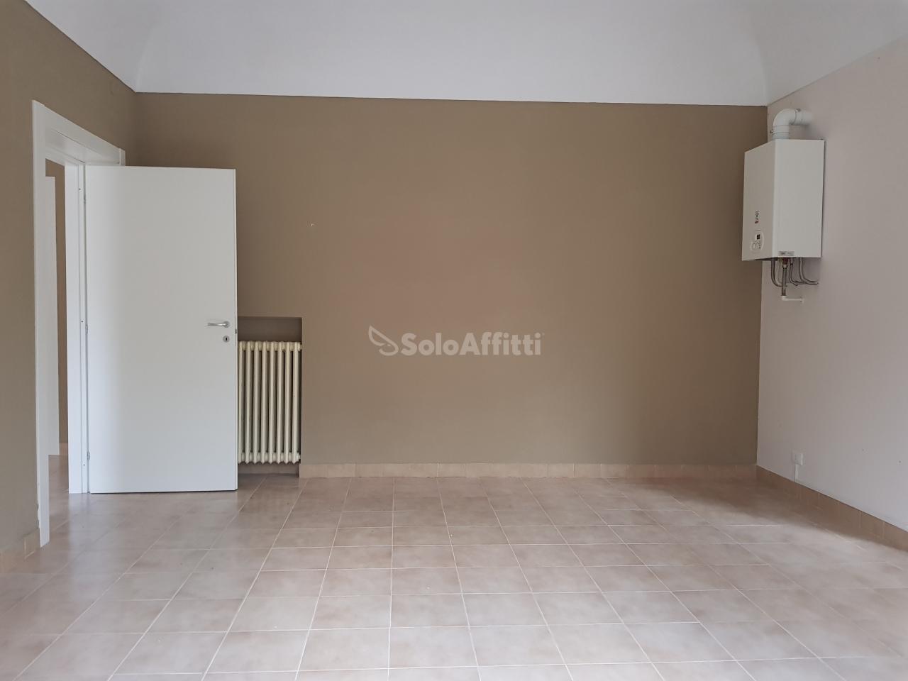 Bilocale in buone condizioni in affitto Rif. 9224472