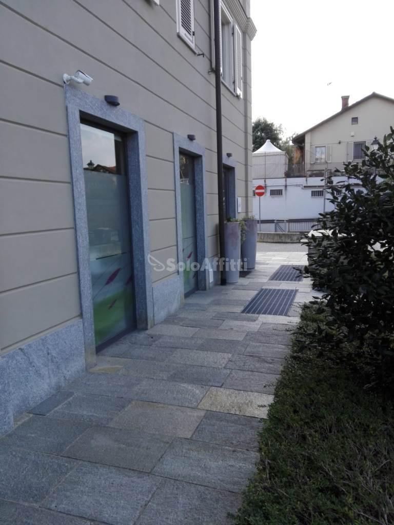 Fondo/negozio - 3 vetrine/luci a Ospedale, Chieri Rif. 11365260