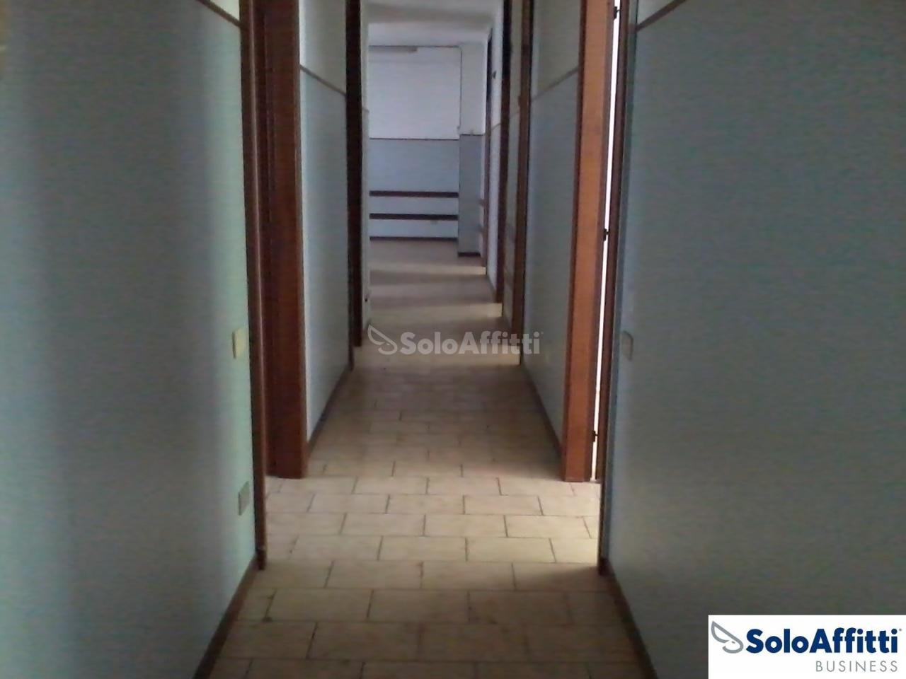 Ufficio - oltre 4 locali a Senago Rif. 10576412