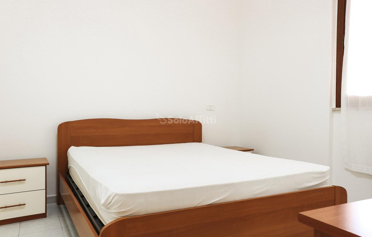 Bilocale in ottime condizioni arredato in affitto Rif. 11125967