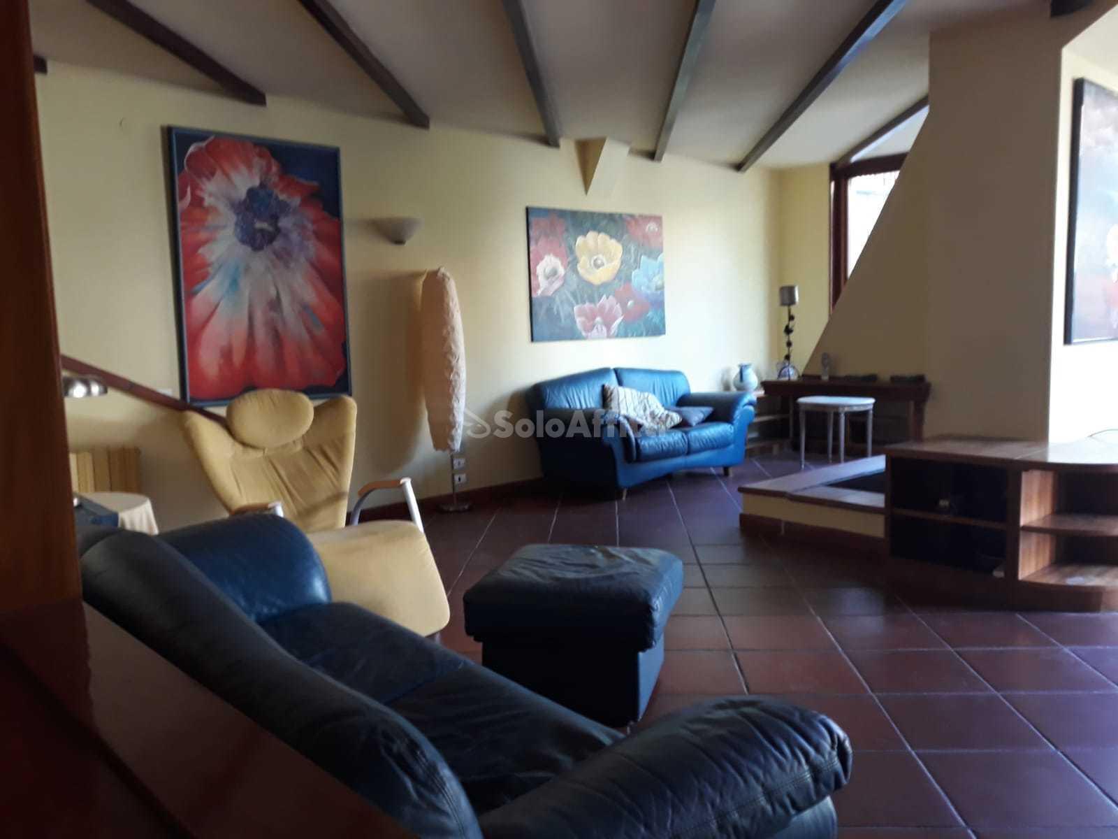 Villa Bifamiliare Arredato