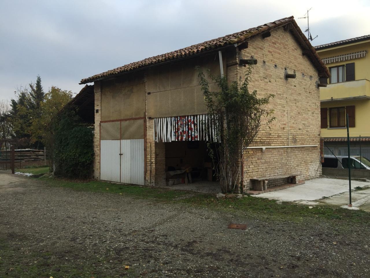 Rustico / Casale in discrete condizioni in vendita Rif. 4142394