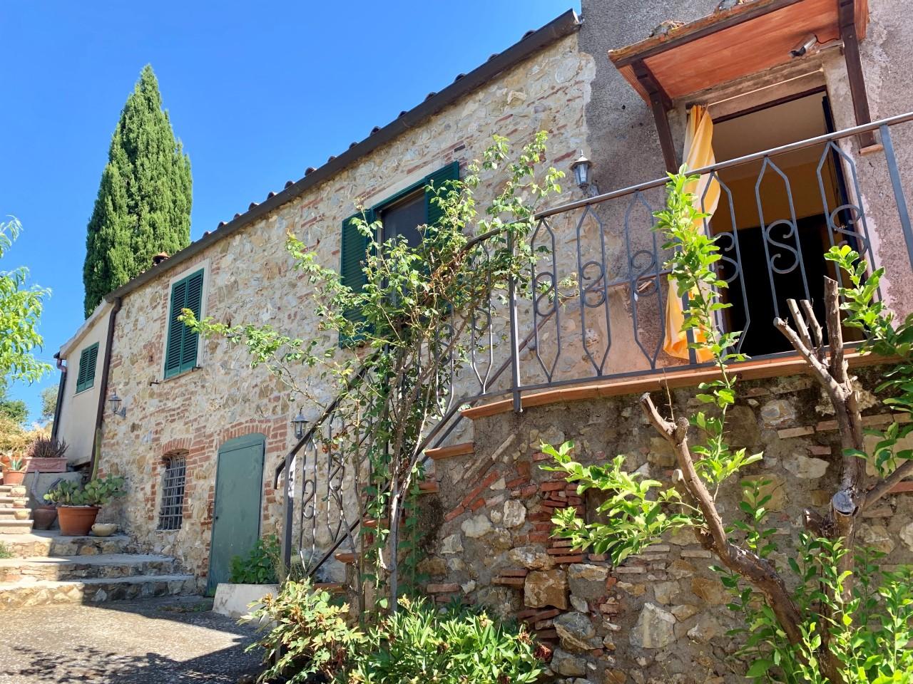 Appartamento in vendita a Gavorrano, 9 locali, prezzo € 245.000 | PortaleAgenzieImmobiliari.it