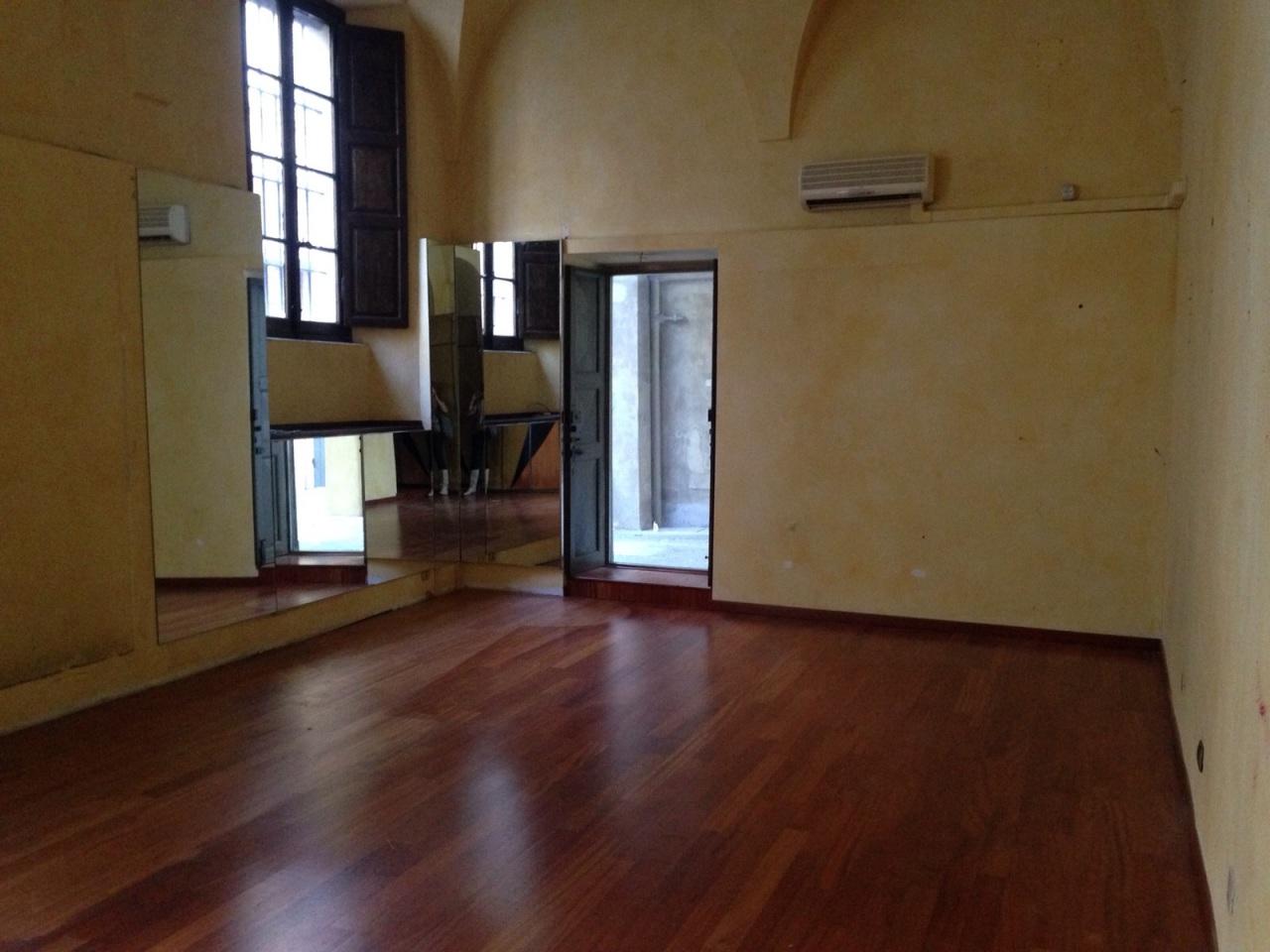 Commerciale - Due Vetrine a Parma Centro, Parma Rif. 11230186