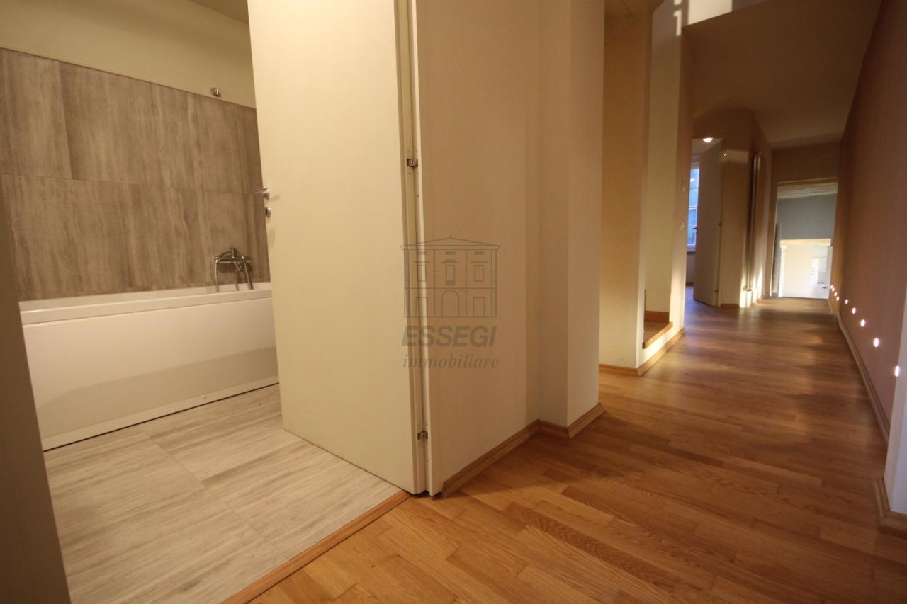 Appartamento Lucca Centro storico IA00611 img 17