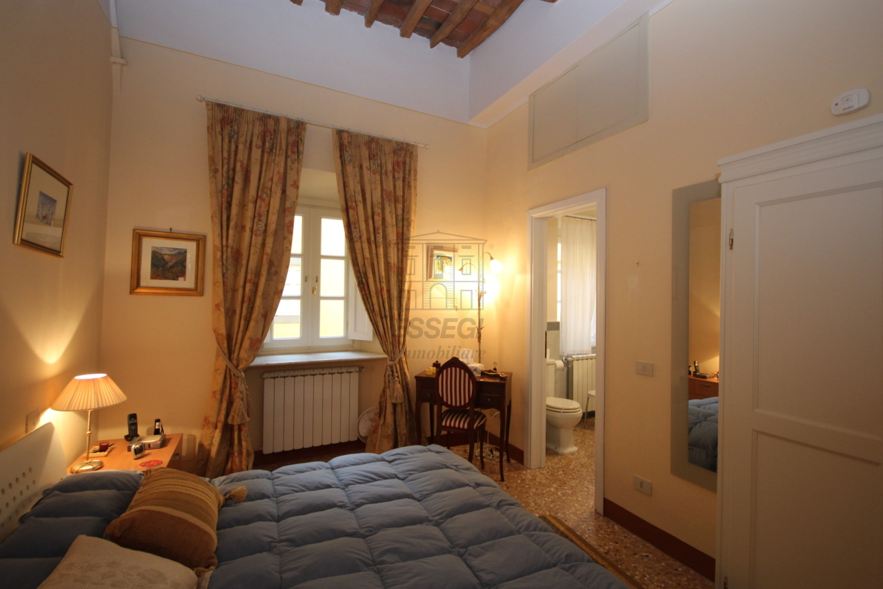 Appartamento Lucca Centro storico IA03340 img 13