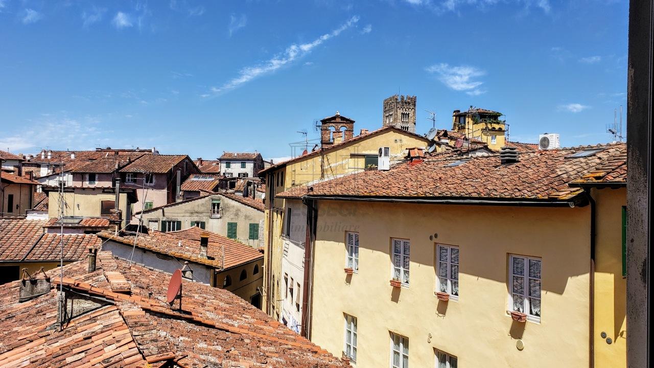 Appartamento Lucca Centro storico IA00305-BIS img 25