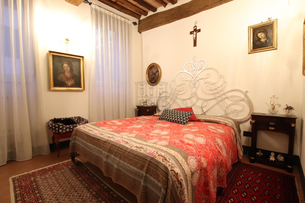 Appartamento Lucca Centro storico IA03524 img 13