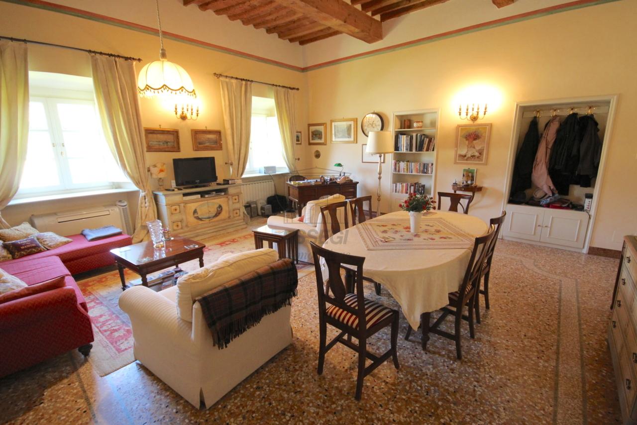 Appartamento Lucca Centro storico IA03340 img 19