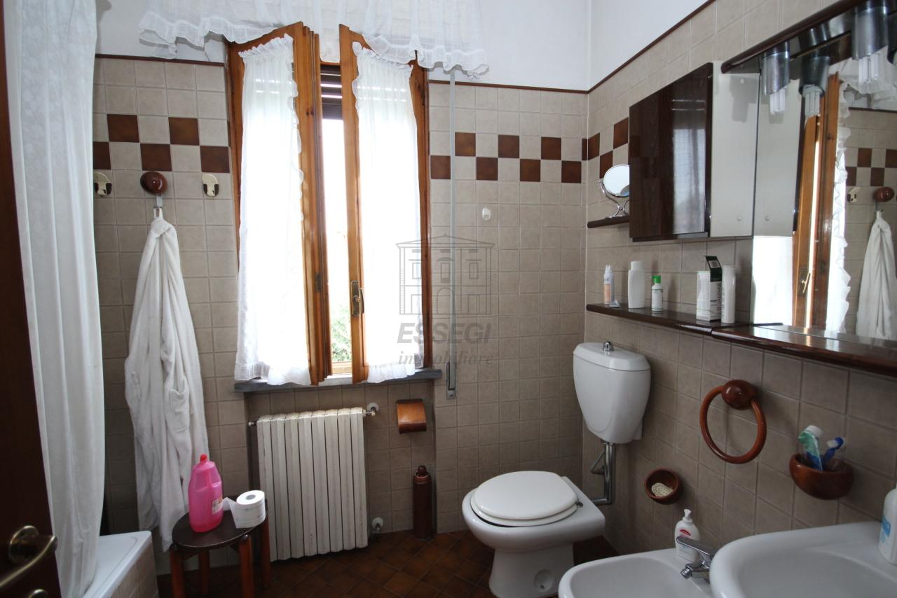Villa divisa in due unità Lucca S. Cassiano a Vico IA03434 img 16