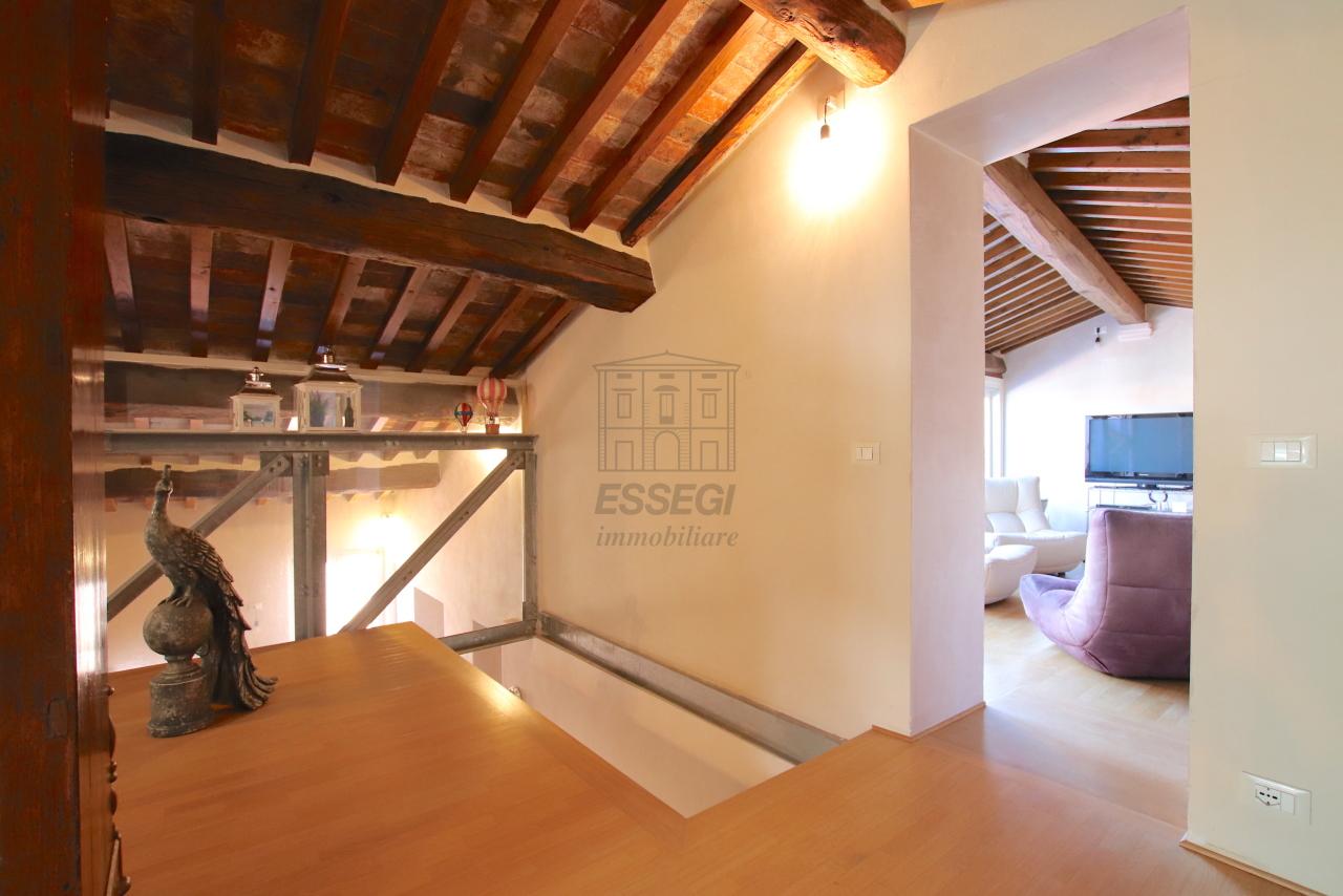 Appartamento Lucca Centro storico IA03502 img 57