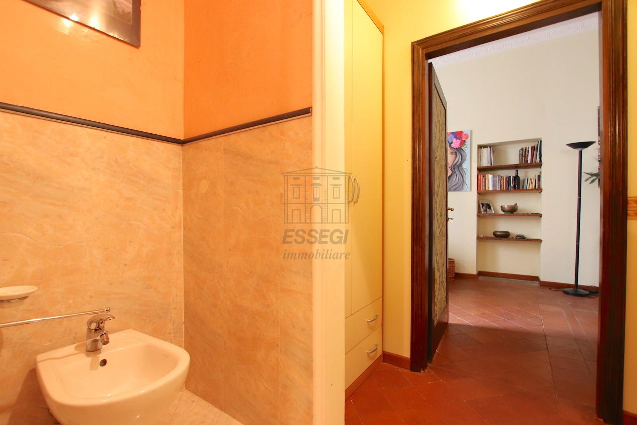 Appartamento Lucca Centro storico IA03541 img 11