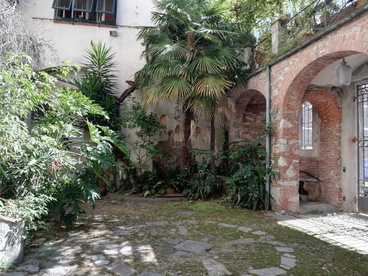 Appartamento Lucca Centro storico IA00538 img 2