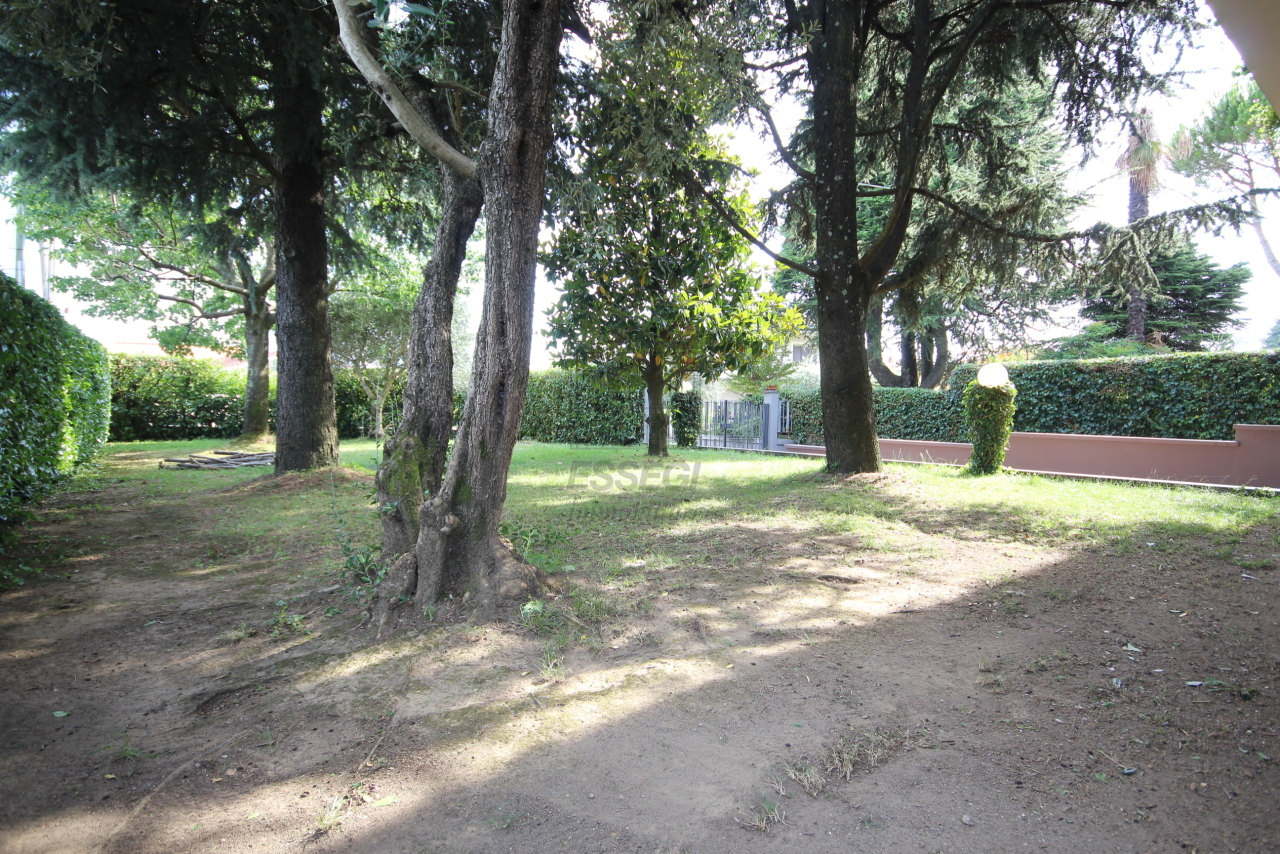 Villa divisa in due unità Capannori Lunata IA01745 img 2
