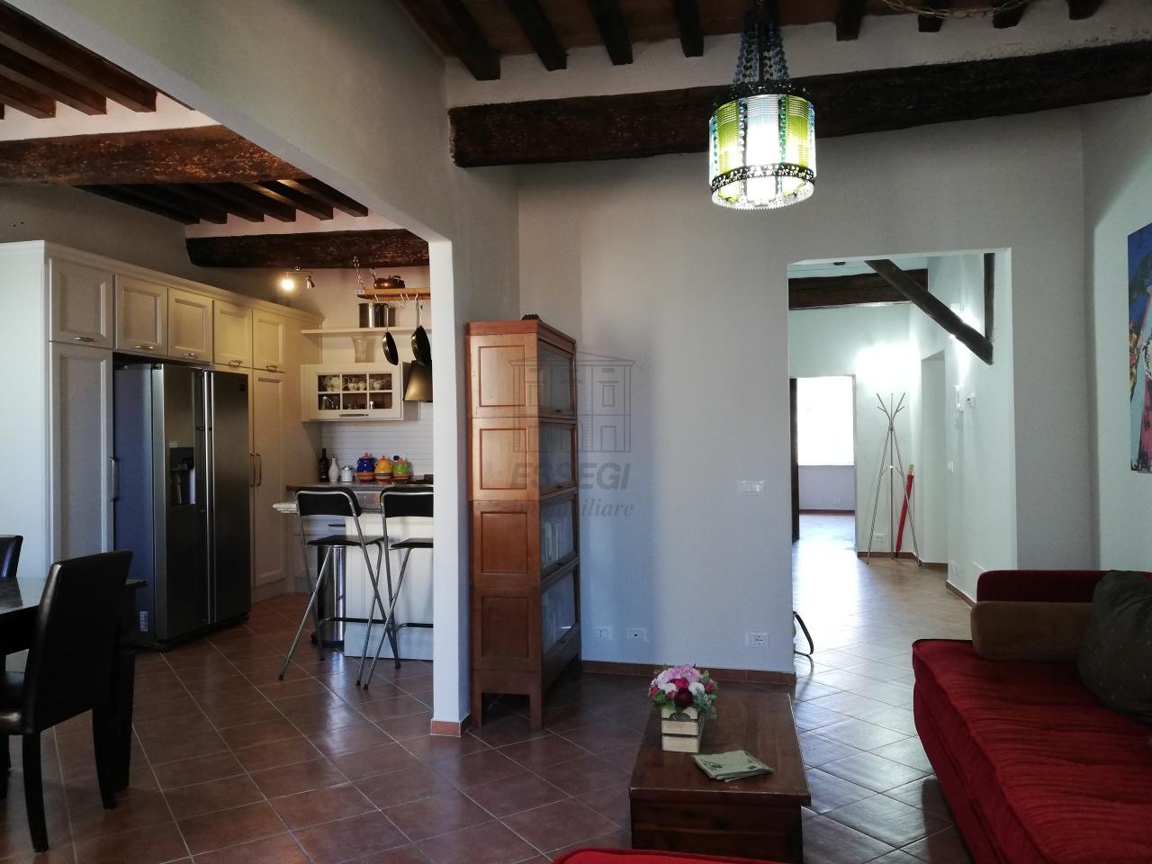 Appartamento Lucca Centro storico IA01844 img 27