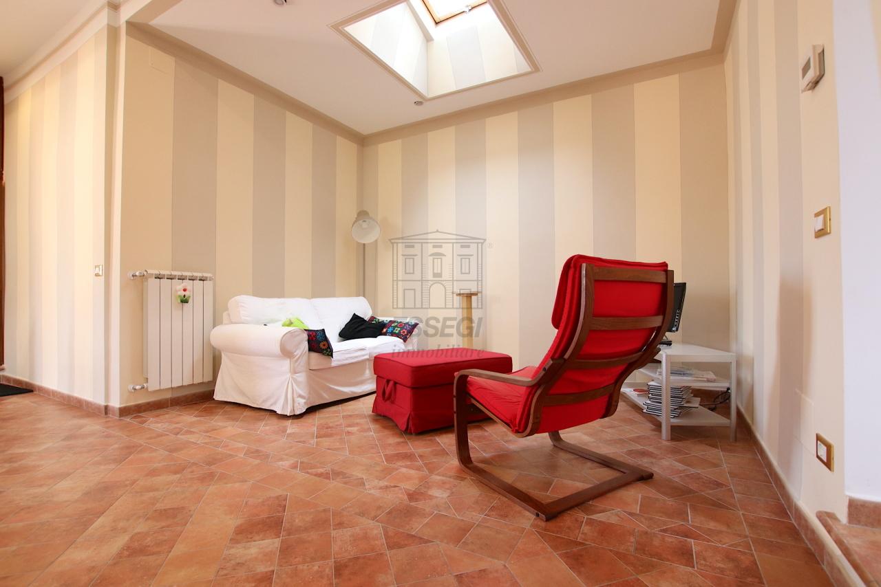 Appartamento Lucca Centro storico IA03545 img 2