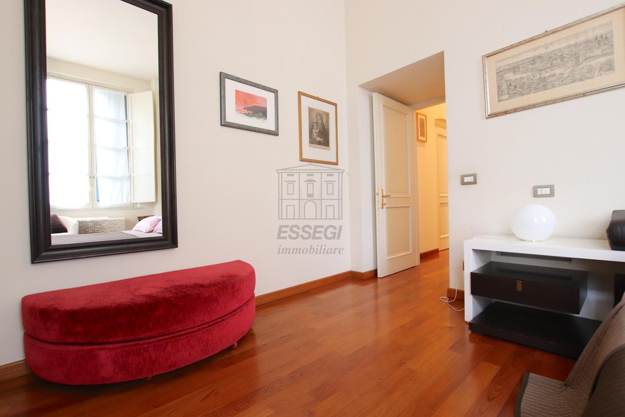 Appartamento Lucca Centro storico IA03540 img 13