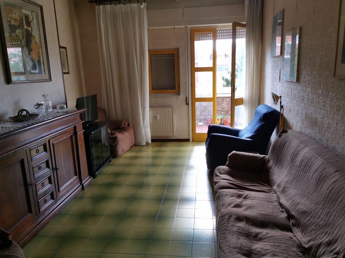 Appartamento da ristrutturare in vendita Rif. 11216925