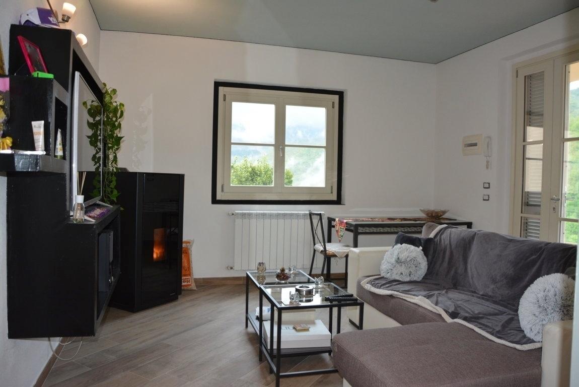 Appartamento in vendita a San Godenzo, 3 locali, prezzo € 100.000   CambioCasa.it